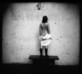 BenBen-la fille sur le banc_03
