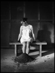 BenBen-la fille sur le banc_12